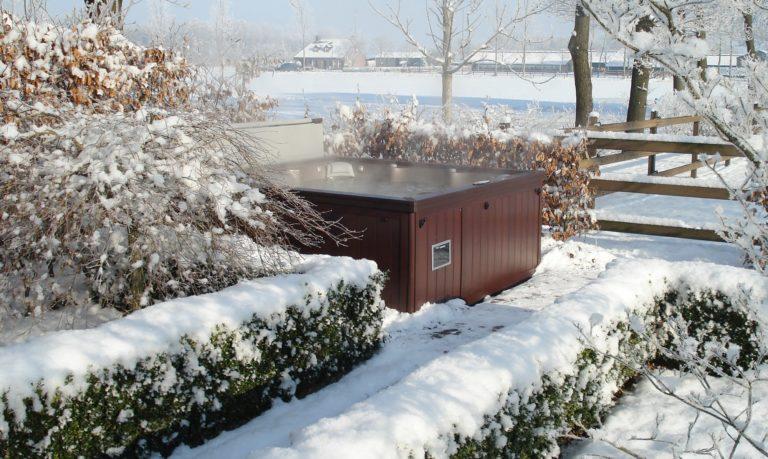 Sundance Spas winter in Papillion, NE