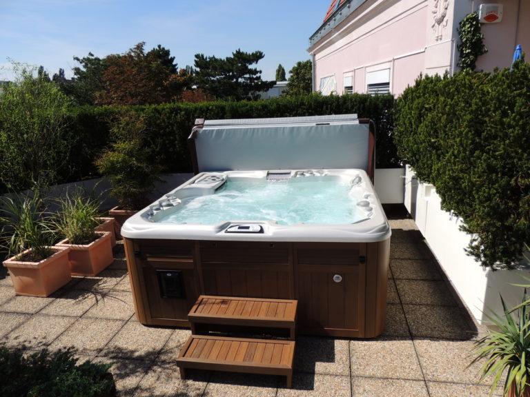 Outdoor Sundance Spas hot tub